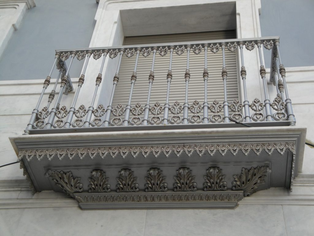 Bandeja balcón para Domingo Torres, S.L.